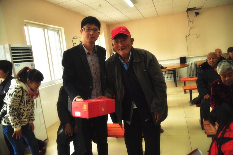 京城印象老北京布鞋-牵手夕阳红 温暖老人心